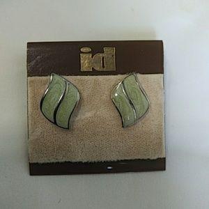 Enamel leafy vintage earrings